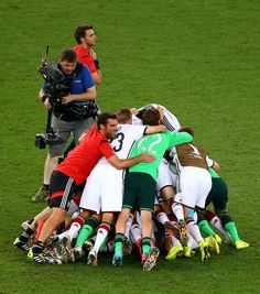 Germany celebrate defeating Argentina 1-0 in extra time during the 2014 FIFA World Cup Brazil Final match between Germany and Argentina at Maracana on July 13, 2014 in Rio de Janeiro, Brazil.레드9카지노 훌라잘하는법 코리아블랙잭 레드9카지노 훌라잘하는법 코리아블랙잭 레드9카지노 훌라잘하는법 코리아블랙잭 레드9카지노 훌라잘하는법 코리아블랙잭