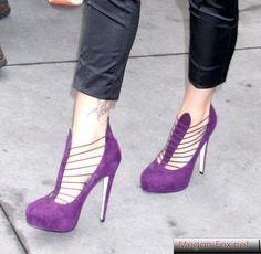 [purple shoes]