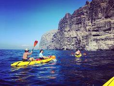 Ven a descubrir los acantilados desde nuestros Kayaks !! #abequeturismoactivo #kayak #visittenerife #visitspain