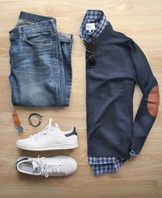 Read on to know the different ways you can style your basic flannel shirt to get 5 different looks! Read on to know the different ways you can style your basic flannel shirt to get 5 different looks! Stylish Mens Outfits, Casual Outfits, Fashion Outfits, Mens Winter Wardrobe, Fashion Models, Mens Fashion, Fashion Blogs, Fashion Menswear, Smart Casual Men