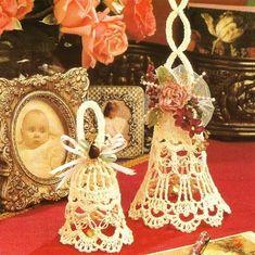 Love Knot Bells Crochet Patterns in 2 Sizes - Thread Crochet - Wedding Victorian… Crochet Christmas Decorations, Crochet Ornaments, Holiday Crochet, Christmas Crafts, Christmas Bells, Holiday Ornaments, Crochet Angels, Crochet Wedding, Crochet Magazine