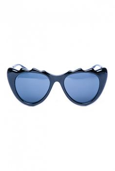 7a44cac0e6 Would you wear these oversized cat-eye sunglasses     Mink Pink Copy Cat