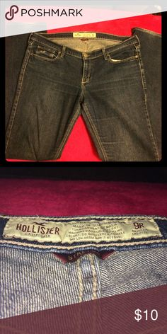 Hollister Dark Wash Size 9 Skinny Jeans Hollister. Dark wash. Bottoms are a bit worn but other than that the quality is still good. Size 9. Hollister Jeans Skinny