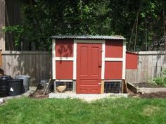 Free #Chicken #Coop Plans.  Step by step picture directions to help you build your own backyard chicken coop...
