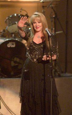 Fleetwood Mac Reunion: Stevie Nicks Confirms Group Getting Back Together In 2013