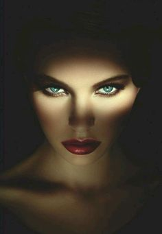 Beautiful faces with expressive eyes Photo Portrait, Portrait Photography, Fashion Photography, Dark Portrait, Makeup Photography, Shotting Photo, Behind Blue Eyes, Look Into My Eyes, Portraits