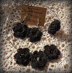 Elegant and dramatic #crochetjewelry #crochet💜 #crochetring #crochetnecklace #crochetearrings #blackflowers #madetoorder #MianVirkkuut #blackisblack