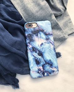 Scarf weather is here ⛄️ Geode Case for iPhone 7 & iPhone 7 Plus from Elemental Cases