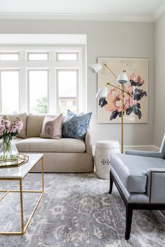 A pretty patterned rug + floral wall print: http://www.stylemepretty.com/living/2016/05/10/master-the-perfect-touch-of-gold-like-this-design-pro/ | Photography: Lindsay Salazar Photography - http://www.lindsaysalazar.com/