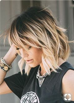 Love this cut. Not sure if my fine hair would look as good. Love this cut. Not sure if my fine hair would look as good. Love this cut. Not sure if my fine hair would look as good. Hair Color Balayage, Short Balayage, Balayage Highlights, Dark Roots Blonde Hair Balayage, Caramel Highlights, Brown Balayage, Super Hair, Great Hair, Hair Today