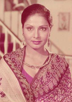 princess first birthday Bollywood Photos, Bollywood Stars, Indian Bollywood, Cute Beauty, Beauty Full Girl, Indian Celebrities, Bollywood Celebrities, Indian Actress Hot Pics, Indian Actresses