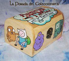 Caja pirograbada y pintada de Hora de Aventuras. Adventure Time