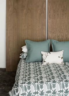 stained plywood | stained plywood headboard via themallthingsstudio