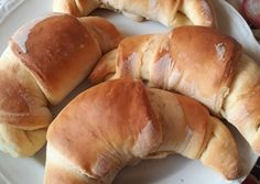 Vajas kifli recept foto Hot Dog Buns, Hot Dogs, Ale, Bakery, Bread, Food, Ale Beer, Brot, Essen