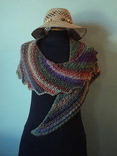 Snowdrop - patron en français Plus Filet Crochet, Poncho Crochet, Beau Crochet, Bonnet Crochet, Knitted Shawls, Crochet Scarves, Diy Crochet, Crochet Clothes, Crochet Needles