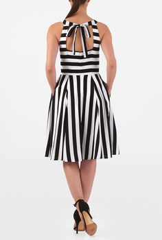 An artfully tailored bodice and ruched pleat chevron skirt style our feminine stripe print crepe dress cinched in at the seamed waist while a wide square cutout at the back adds a flirty element. Neckline Guide, Skirt Fashion, Women's Fashion, Chevron Skirt, Crepe Dress, Stripe Print, Street Styles, Dresses Online, Ready To Wear
