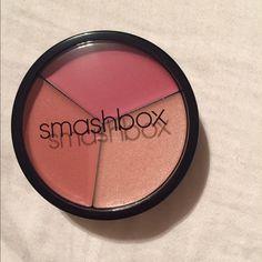Smashbox creme cheek color trio Limited edition Smashbox creme cheek colors. New and never used . Smashbox Makeup Blush