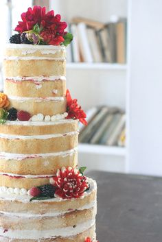 I LOVE this naked cake!