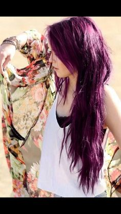 Purple Hair. I would seriously kill to have hair like this girls!!