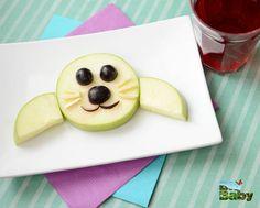 ¡Qué creativa foquita hecha con peras y uvas!