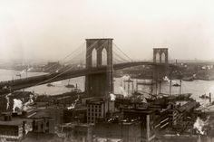 【スライドショー】開通から130年目を迎えるニューヨークのブルックリンブリッジ - WSJ.com