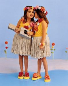 Hula Girls via: http://www.marthastewart.com/275509/homemade-kids-halloween-costumes