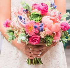 Summer bridal bouquet | Wedding & Party Ideas | 100 Layer Cake