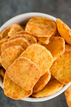 Spicy Southern Cheese Crackers - Cheese Chips - Ideas of Cheese Chips - Southern Cheese Crackers from the Add a Pinch Cookbook shared by Brown Eyed Baker Homemade Cheez Its, Homemade Crackers, Homemade Cheese, Spicy Crackers, Homemade Pasta, Snack Recipes, Cooking Recipes, Cooking Courses, Savoury Recipes