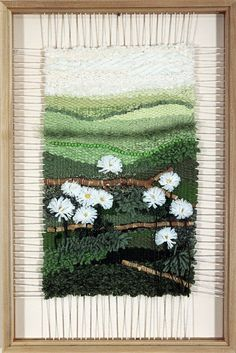 Nancy's Daisies | por Dimensional Weaving Weaving Loom Diy, Pin Weaving, Weaving Art, Weaving Patterns, Tapestry Weaving, Weaving Wall Hanging, Peg Loom, Creative Textiles, Weaving Projects