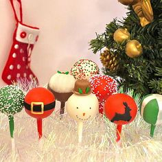 Christmas Cake Pops, Christmas Bulbs, Xmas, Cakepops, Holiday Decor, Diy, Baking, Desserts, Food
