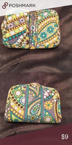 Vera Bradley Magnetic card holder Great condition! Vera Bradley Bags Wallets