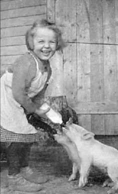 She looks so much like my momma when she was just a little girl. :) Happy girl feeding the baby piglets! She looks so much like my momma when she was just a little girl. :) Happy girl feeding the baby piglets! Vintage Children Photos, Vintage Pictures, Old Pictures, Vintage Images, Old School Pictures, Happy Pictures, Antique Photos, Vintage Photographs, Photos Du