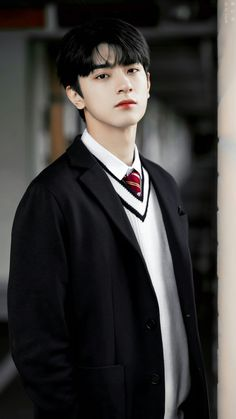 Lâm Nhất.  IG: iam_linyi Korean Boys Hot, Korean Boys Ulzzang, Ulzzang Boy, Korean Girl, Asian Actors, Korean Actors, Most Handsome Actors, Cute Asian Guys, Cute Actors