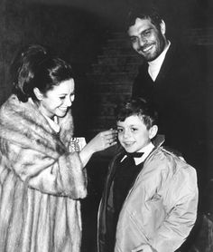 Omar Sharif with his wife Faten Hamama and their son Tarek