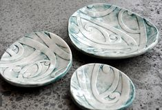 Borrowed Earth Kura Gallery Maori ArtDesign New Zealand Kowhaiwhai Nest Set of 3 Ceramic Dishes Ice Sculptures, Sculpture Art, Ceramic Bowls, Ceramic Pottery, Maori People, Polynesian Art, Maori Designs, Jr Art, Maori Art