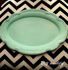 How to Antique a Tray Using Chalk Paint   DIY beautify