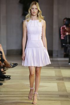 Carolina Herrera Spring 2016 Ready-to-Wear Collection Photos - Vogue