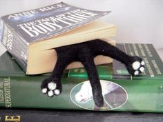 Gatto - Black Needle Felted Kitty mezza Splat segnalibro #Etsygifts