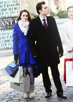 Chuck and Blair. Notice the uggs. I'm going to go back and watch this episode to see if you can see Blair's shoes.
