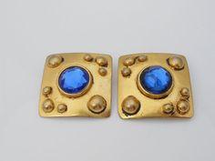 Ben Amun Modernist Blue Glass Square Clip by Libbysmomsvintage