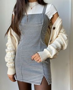 Classy Outfits For Teens, Teen Fashion Outfits, Mode Outfits, Cute Casual Outfits, Cute Fashion, Girl Outfits, Spring Fashion, Classy School Outfits, Teen Dresses Casual