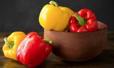 How to Roast Peppers - Paula Deen Food Dishes, Main Dishes, Dishes Recipes, Easy Summer Meals, Veggie Noodles, Roasted Peppers, Pesto Pasta, Stuffed Sweet Peppers, Side Recipes