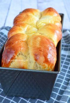 Brioche (Laura's Bakery) Brioche Recipe, Brioche Bread, Homemade Brioche, Challah, A Food, Food And Drink, Good Food, Tapas, Bread Cake