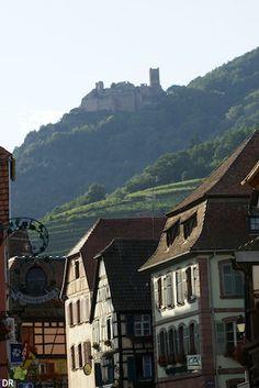 Alsace village- Châteaux