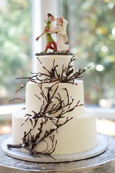 Robin Hood and Marian wedding cake