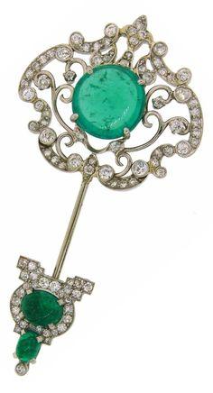 Art Deco Emerald, Diamond and Platinum Jabot Pin