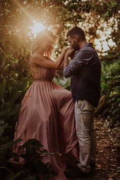 Love Photos, Love Pictures, Couple Pictures, Wedding Fotos, Pre Wedding Photoshoot, Wedding Couple Poses Photography, Engagement Photography, Wedding Couples, Cute Couples