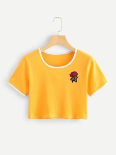 21 Kawaii Shirts You Need In Your Life! This yellow rose shirt would probably be one of my favorites that I wear a lot in the Summer and Spring time. I absolutely love this Romwe shirt. Crop Tops For Kids, Girls Crop Tops, Cute Crop Tops, Shirts For Teens, Cute Girl Outfits, Kids Outfits Girls, Teenager Outfits, Cute Casual Outfits, Kawaii Shirts