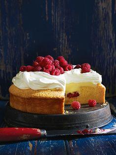 white chocolate and raspberry trifle cake