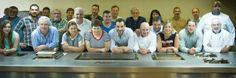 Joaquín Felipe, Delegado de Euro Toques Madrid, reunió ayer a un grupo de cocineros miembros de esta Asociación en la sala de demostraciones de la Escuela de Hostelería y Turismo para reforzar su compromiso con los productores ecológicos y sostenibles.